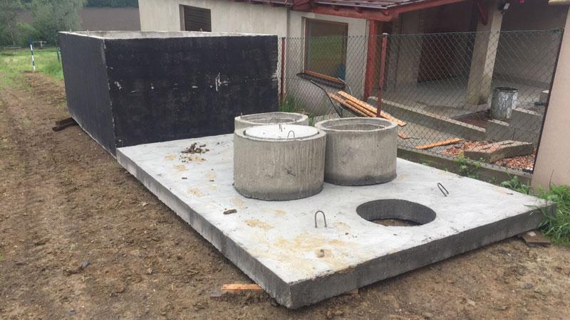 Montáž betonové žumpy Plzni